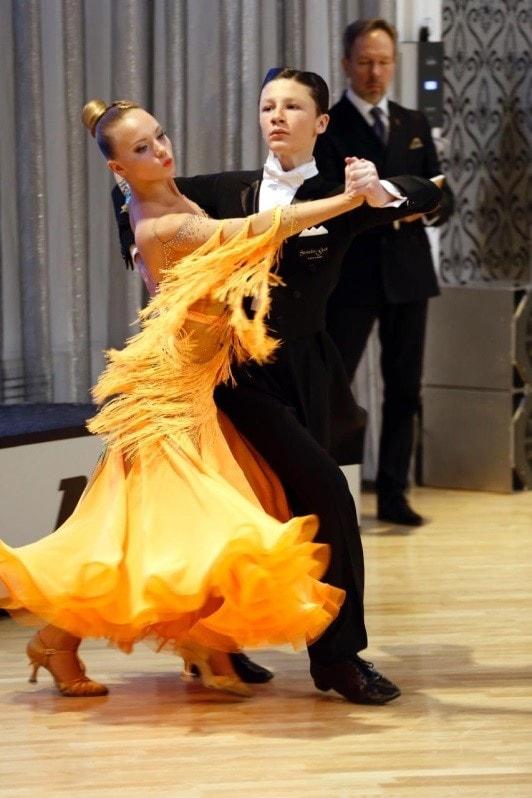 Бальные танцы русский клуб москва клуб на соколе москва