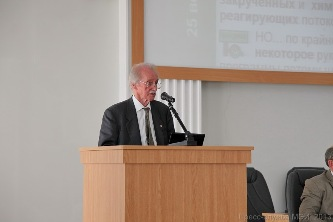127. Professor D. B. Spalding with lecture at session of Academic Council of MPEI