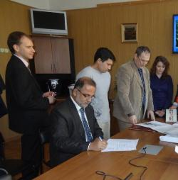 160. MPEI Vice-Rector and Director of Pakistan Study Centre sign the Memorandum in MPEI
