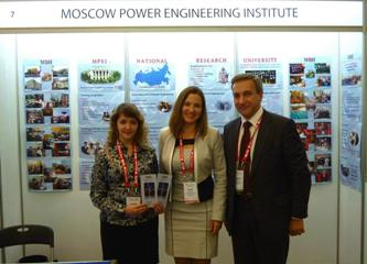 164. MPEI delegates with QS Regional Manager Zoya Zayceva at MPEI booth during 9th QS APPLE