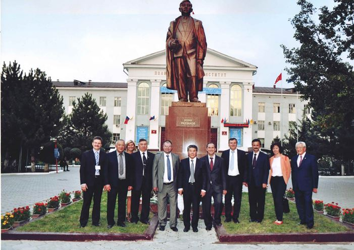 221. Delegation of MPEDI with colleagues from Kyrghizia near the new monument