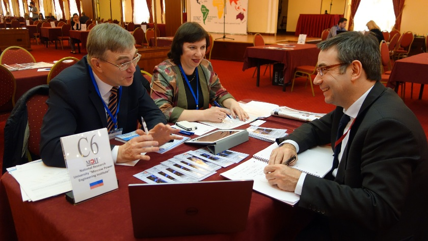 264. Individual conversation of MPEEI representative prof. Igor Zhelbakov and Irina Kulik (MPEI Department of International Cooperation) with representative of Pole Leonard de Vinci University (France, Paris) Dr. Aubert Benoit during IUNC Eurasia 2015.